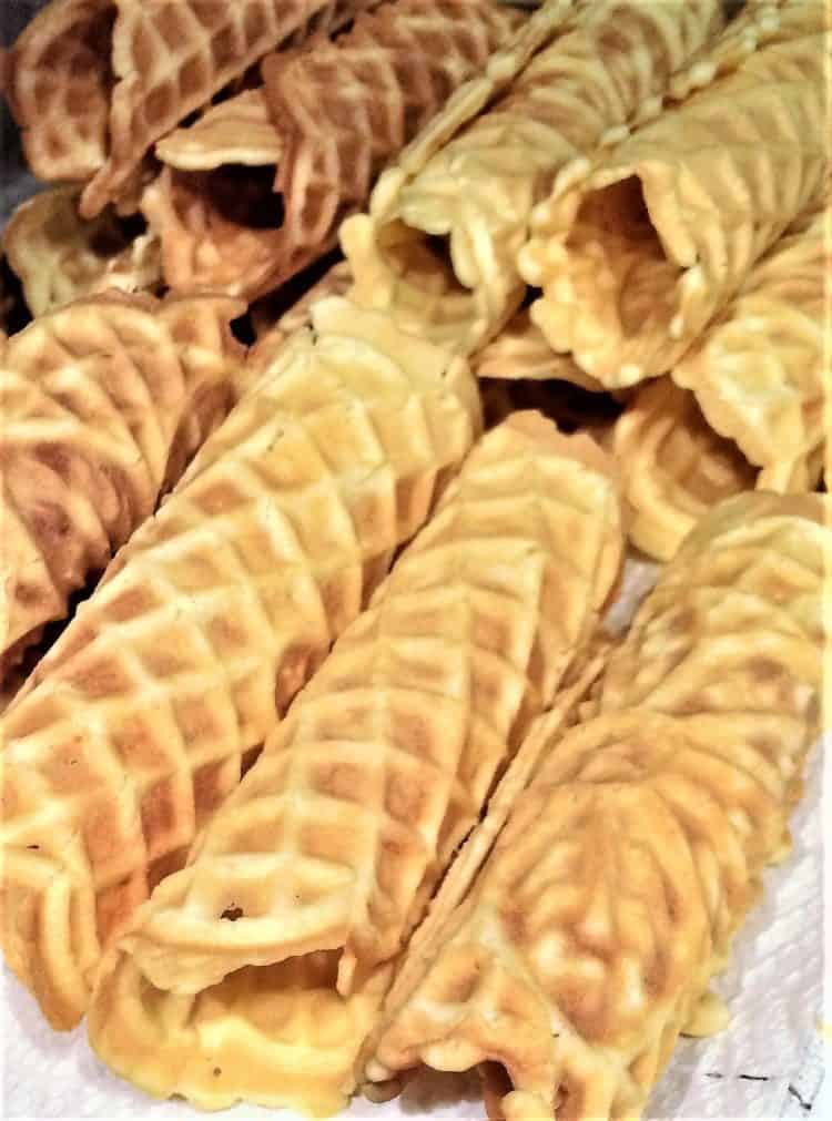 rolled pizzelle for Pizzelle Cannoli with Ricotta Filling
