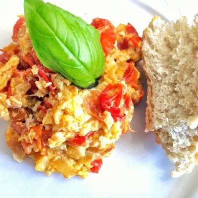 Nonno's Breakfast Special: Fried Tomatoes with Eggs