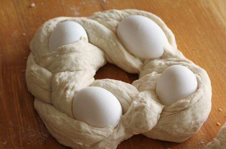 Sicilian Easter Cuddura