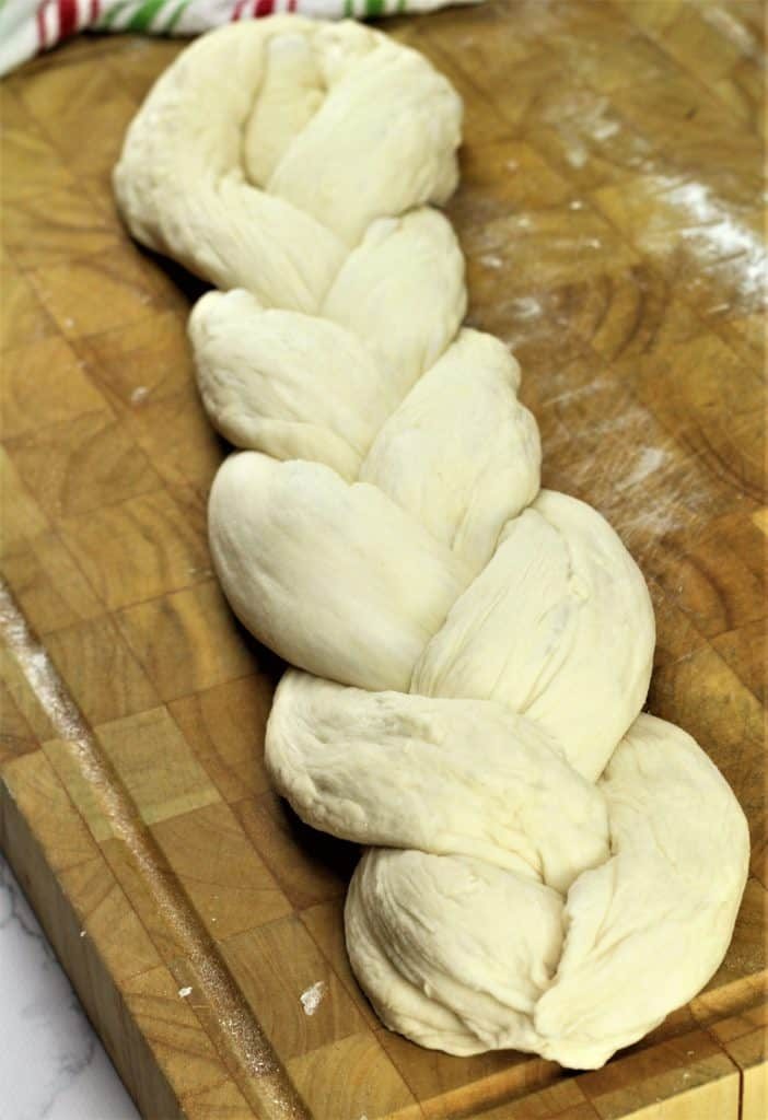 braided dough for Sicilian Easter Cuddura cu l'Ova