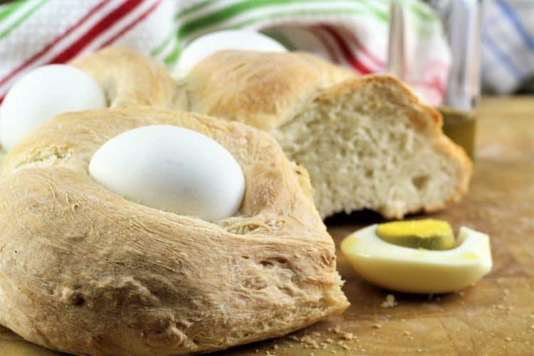 Sicilian Easter Cuddura cu l'Ova