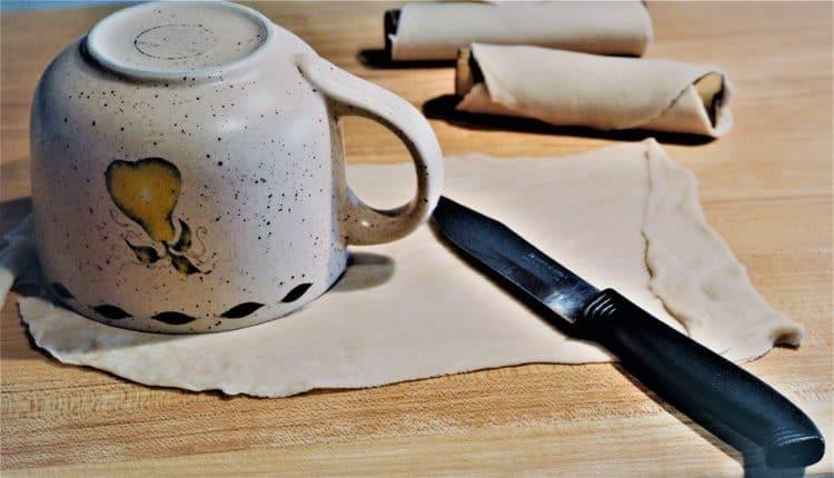 cutting cannoli shell dough rounds