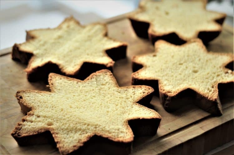 star shaped Pandoro slices