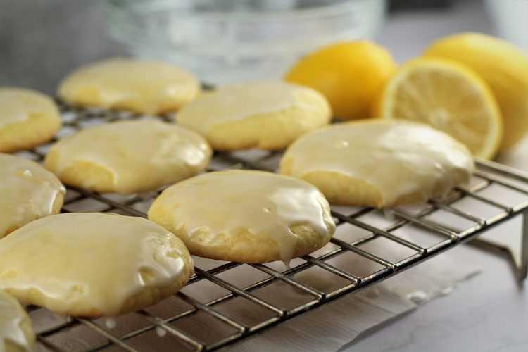 Italian Lemon Glazed Cookies