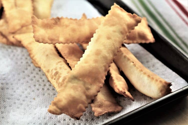 strips of fried Chiacchiere di Carnevale
