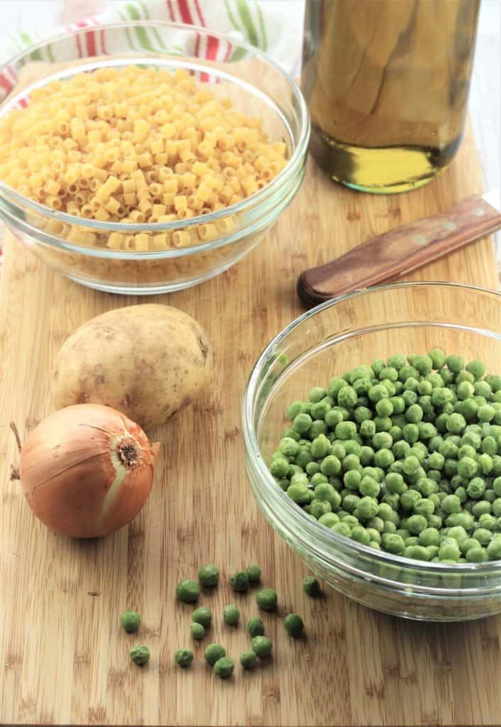 ingredients for pasta with peas
