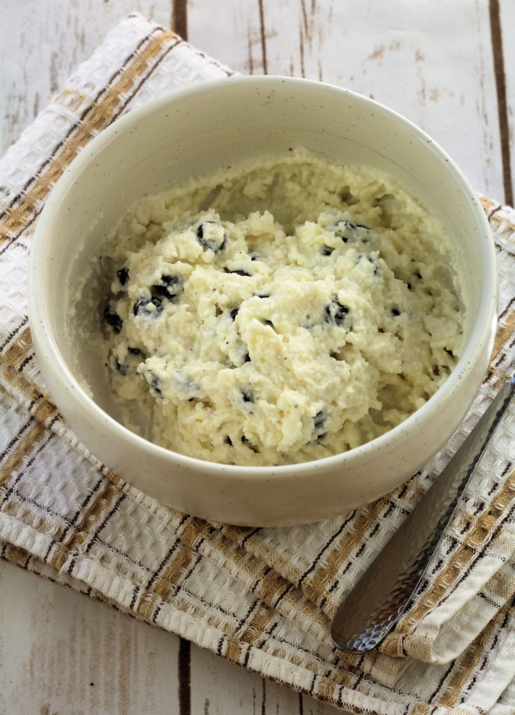 bowl with ricotta and chocolate chips for cookie filling