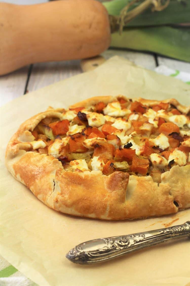 crostata filled with butternut squash, leeks and goat cheese